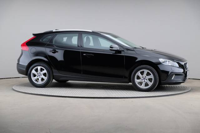 Volvo V40 Cross Country D3 Momentum VoC-360 image-24