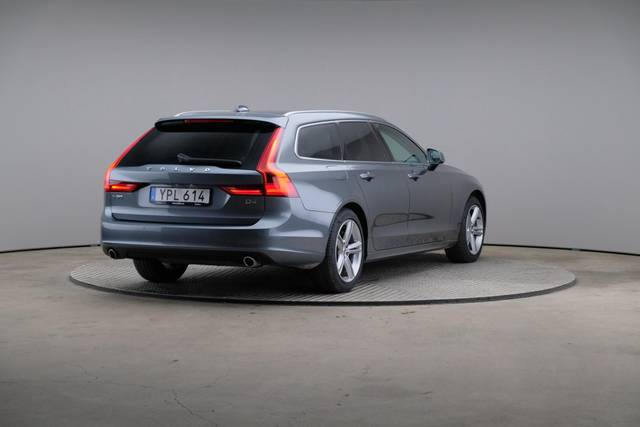 Volvo V90 D4 Geartronic, Momentum-360 image-16