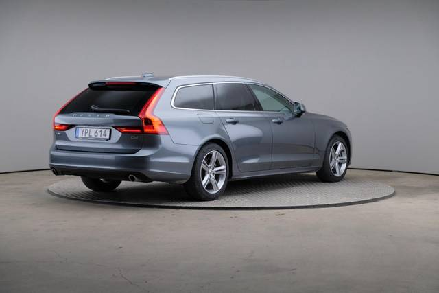 Volvo V90 D4 Geartronic, Momentum-360 image-17